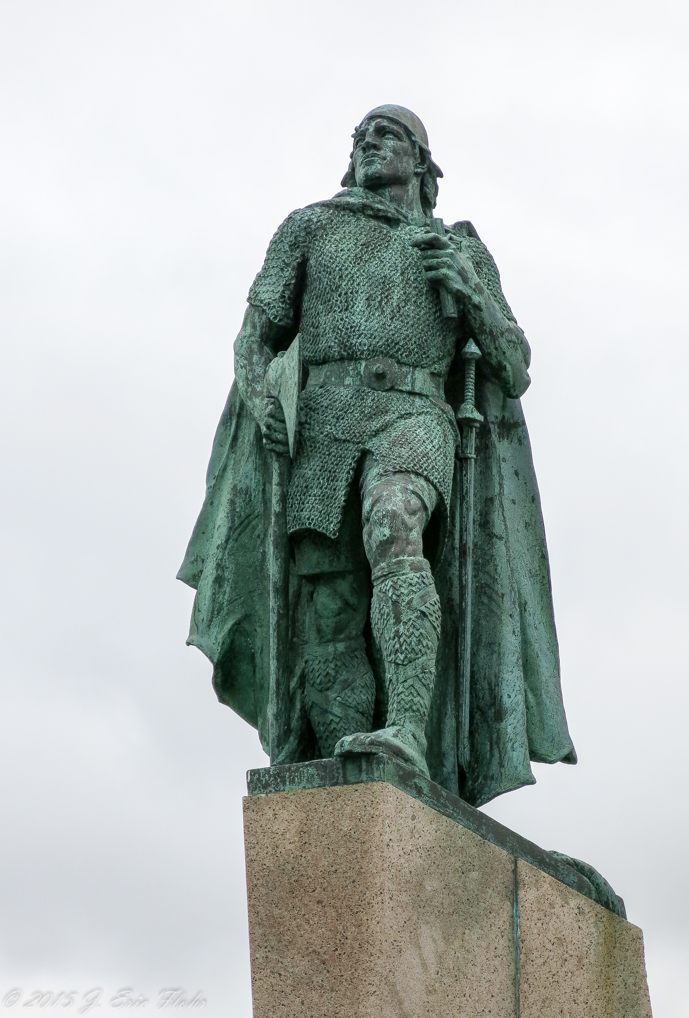 Leif Statue